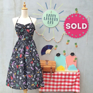 Art Class Graduate | Vintage 1980s pop art Abstract confetti and Scribble print Halter Sun Dress
