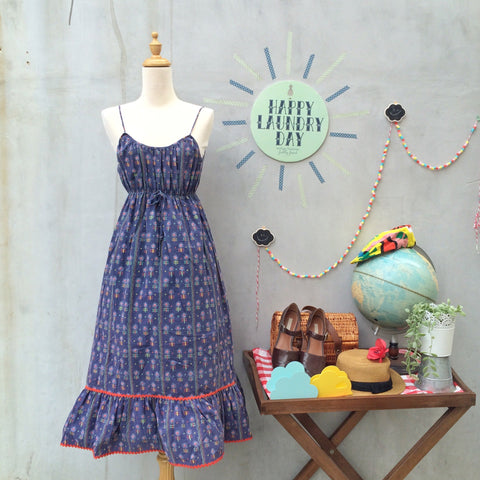 Retro Wheelies | Vintage 1960s 1970s hippie Round wheel retro daisy print Blue Sundress