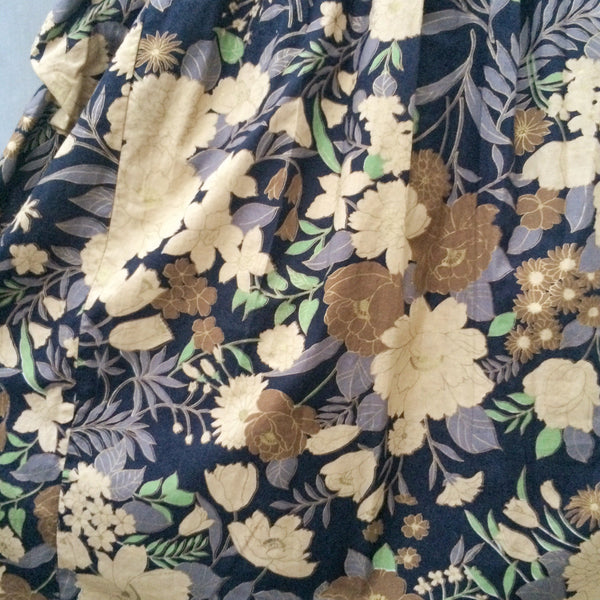 Kimono Gold | Vintage 1970s 1980s Kimono Sleeve style Gold gilded florals Dress with POCKETS