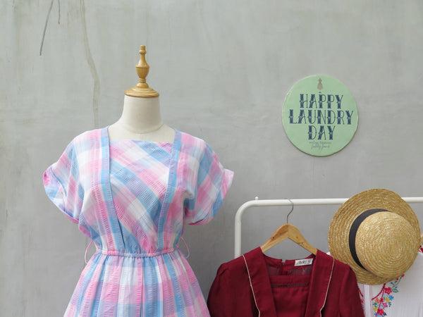 Philomena | Vintage 1980s 1990s blue white pink checkered tartan crinkled cotton day dress