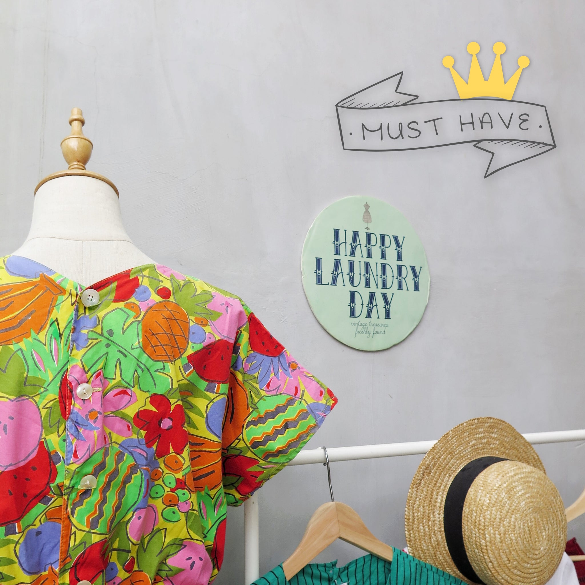 Must Have | Sashya | Vintage 1980s fun tropical fruit pina colada fruitti tutti colourful print dress