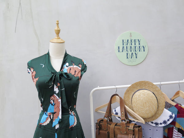 MUST HAVE! | Georgette | Vintage 1970s does 1940s novelty print forest green dress