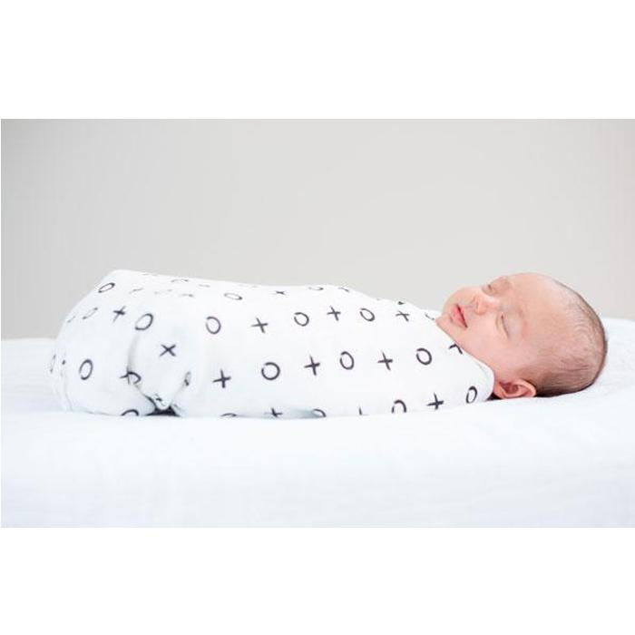 Lulujo Hugs & Kisses Bamboo Swaddle – 47×47″-Lulujo-Joanna's Cuties