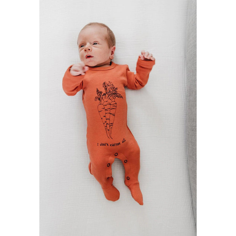 Organic Graphic Footie in Maple Carrot - L'ovedbaby - joannas-cuties