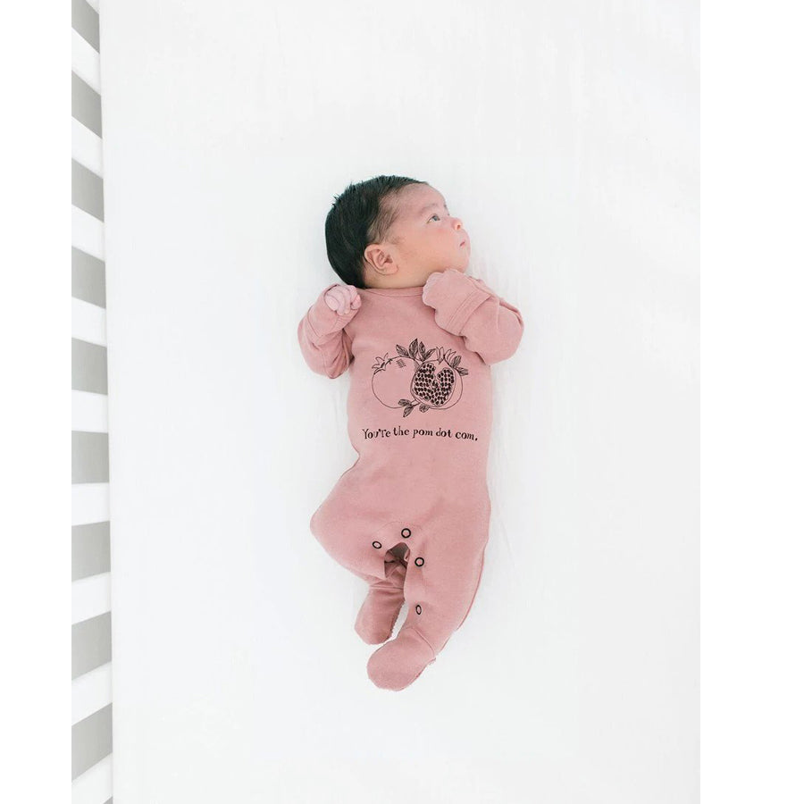 Organic Graphic Footie in Mauve Pomegranate - L'ovedbaby - joannas-cuties