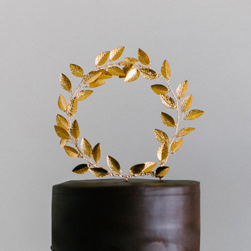Golden Wreath Cake Topper