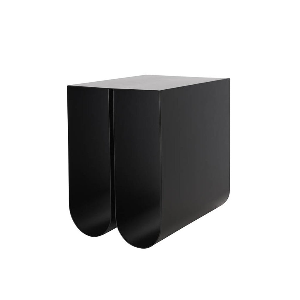 kristina dam studio curved side table sort sidebord magasinholder