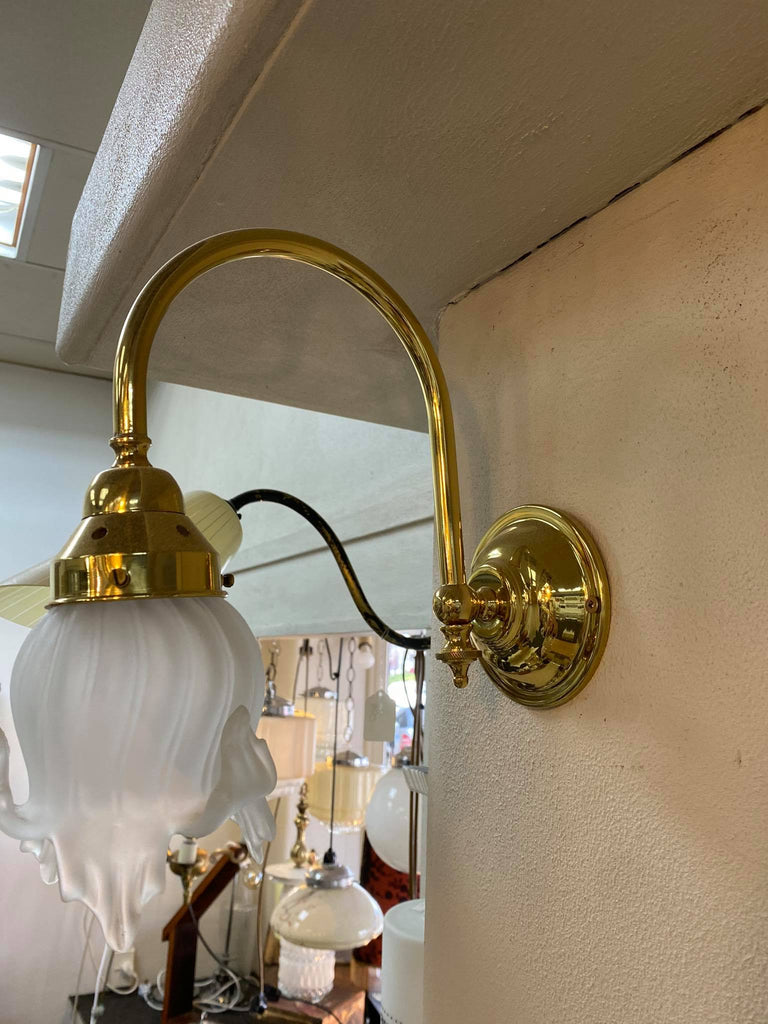 Wall Lamp With Vintage Shade