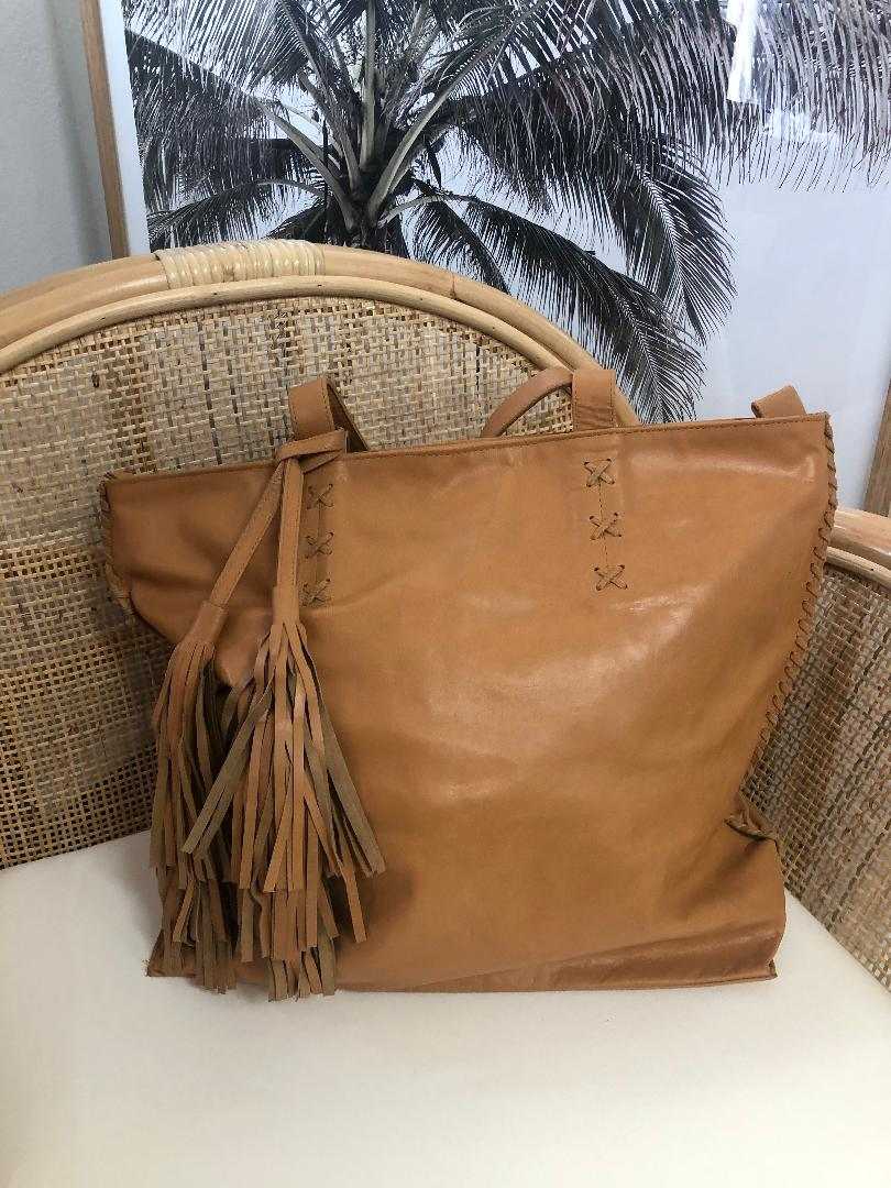 Leather Tote WIth Tassel-Tan