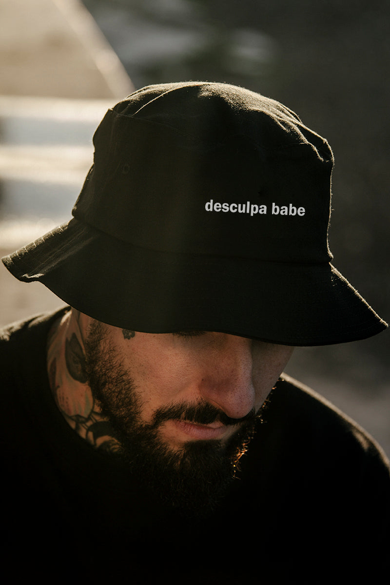 bucket hat black db