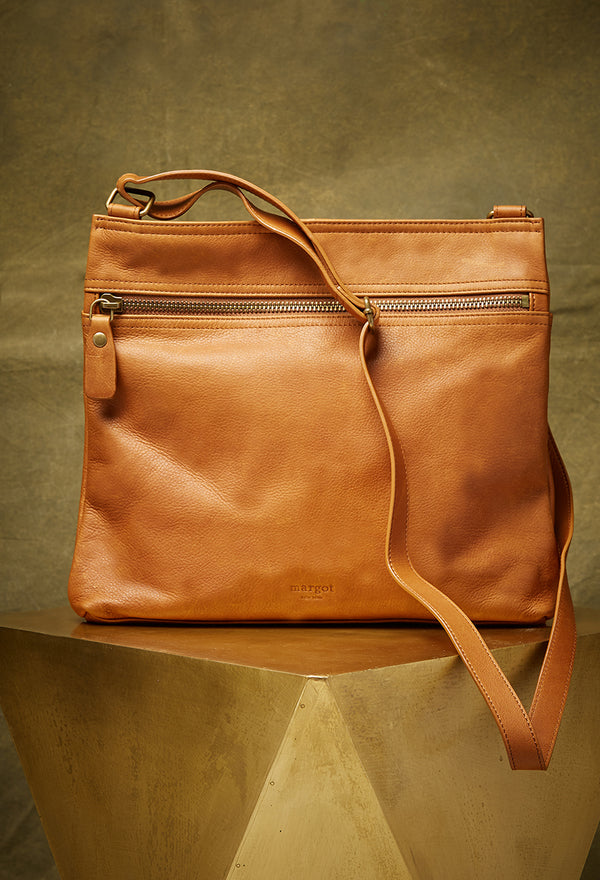 Lorna Hobo in Cognac