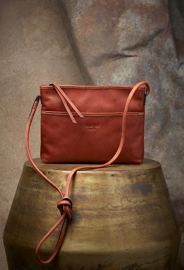Jane Crossbody in Brandy