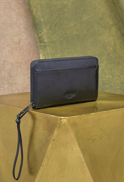 Gabby Wristlet Zip Around Wallet in Black