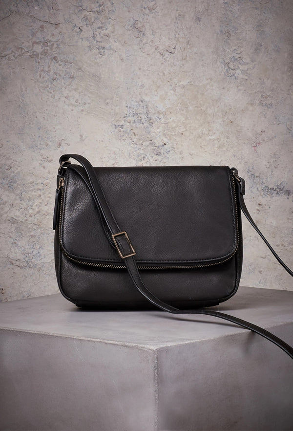 Preston Crossbody in Black