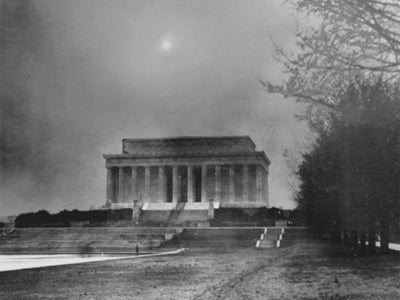 Lincoln Memorial covered with dust storm