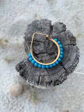 Load image into Gallery viewer, earrings circle blu pearl orecchini a cerchio perle blu
