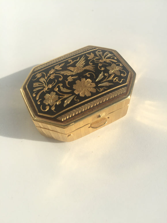 pillbox gold in niello technique damask spanish portapillone oro damascato