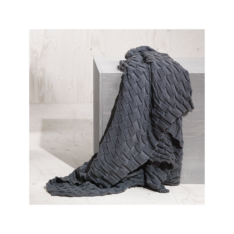 Curly Throw - Grey sold in House of Gefion