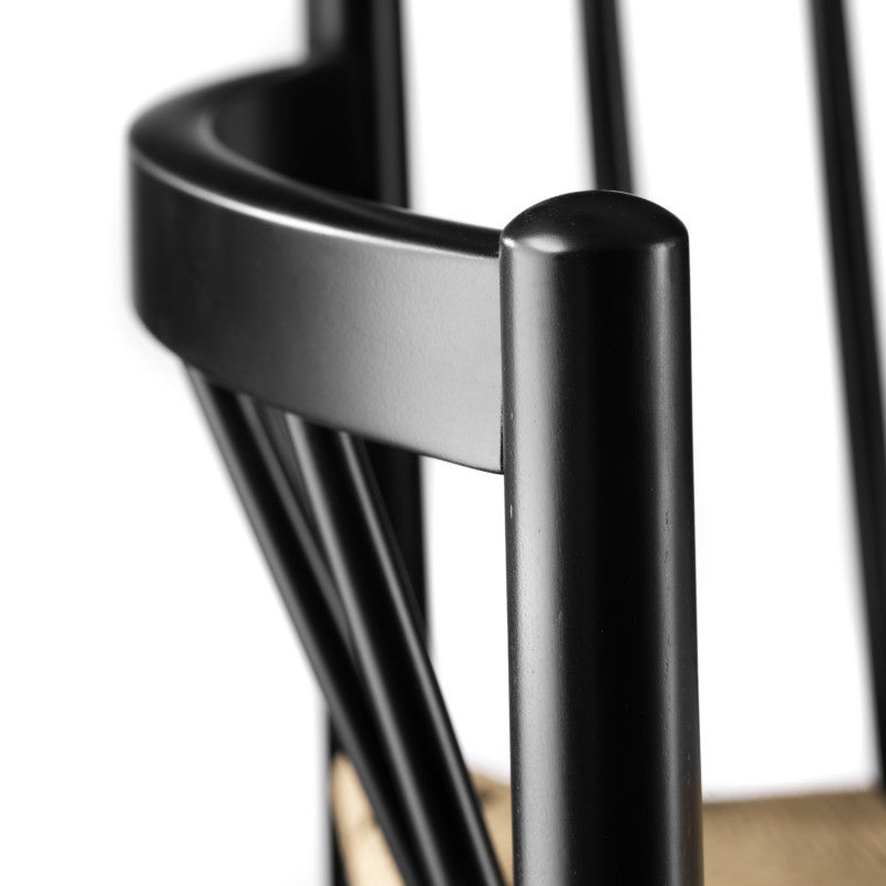 J81 Dining Chair - Black / Nature sold in house of gefion