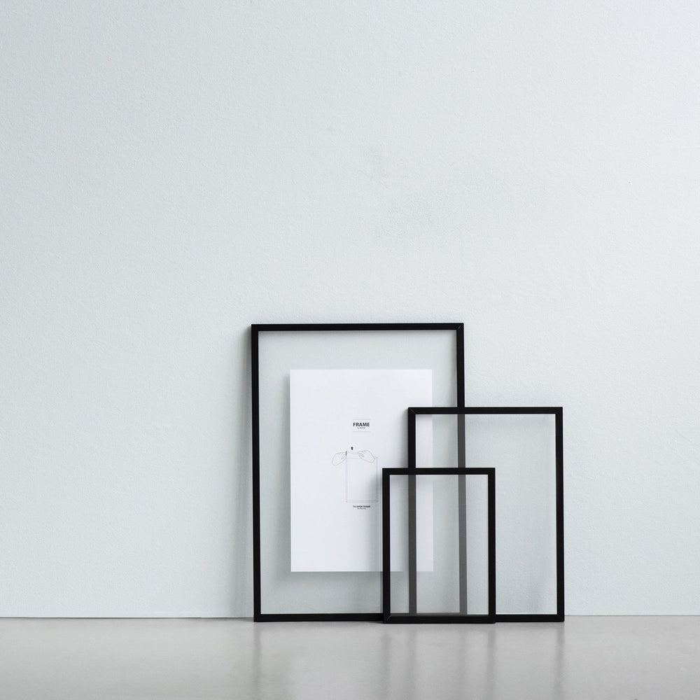 Moebe frame black house of gefion
