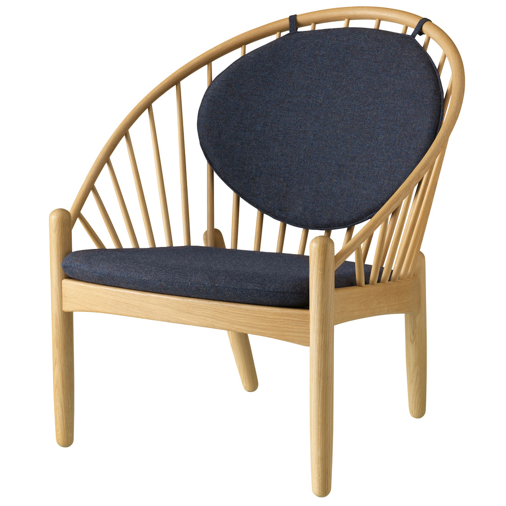 J166 Lounge Chair - Oak