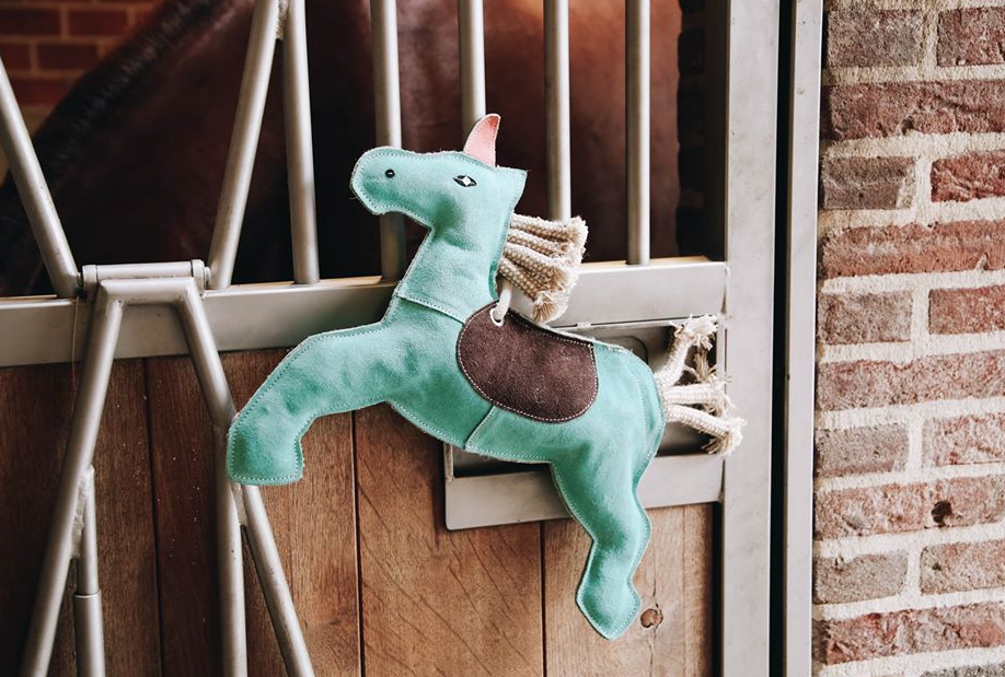 Kentucky Unicorn Stable Toy