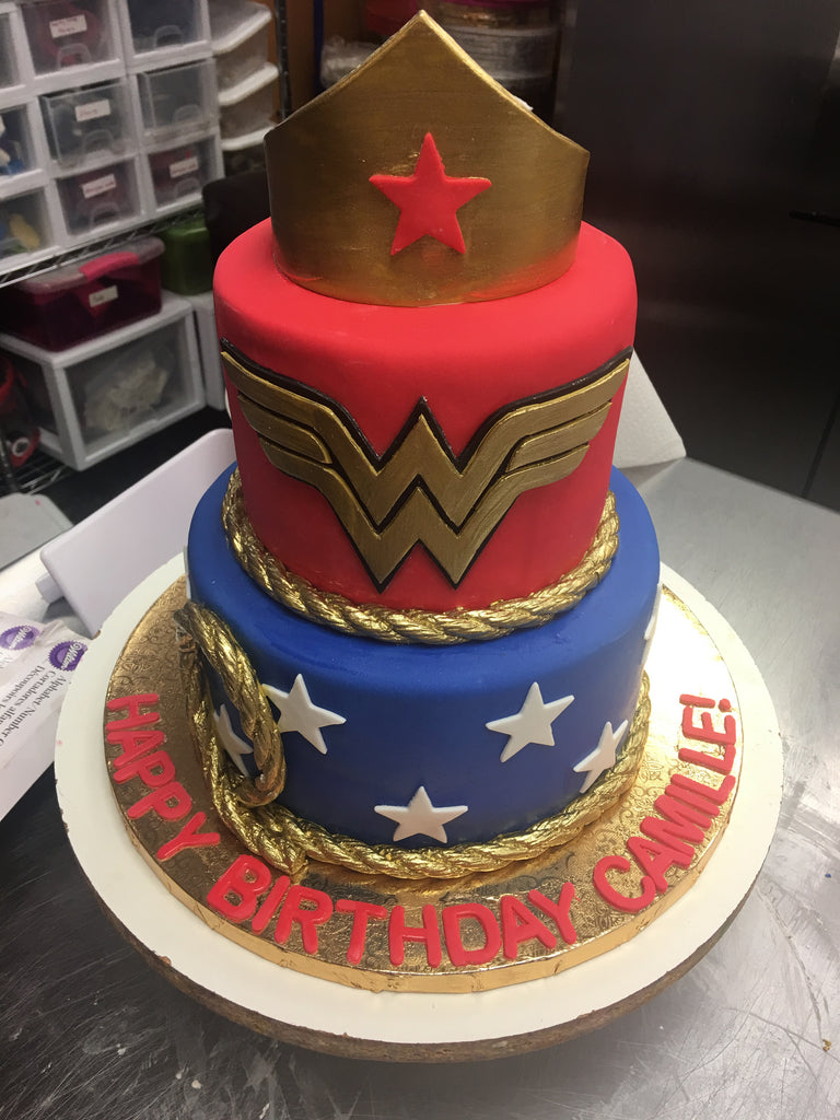 Wonder Woman DC Comics Birthday Cakes