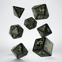 Load image into Gallery viewer, Call of Cthulhu, Glow in the Dark, 7 dice polyhedral set