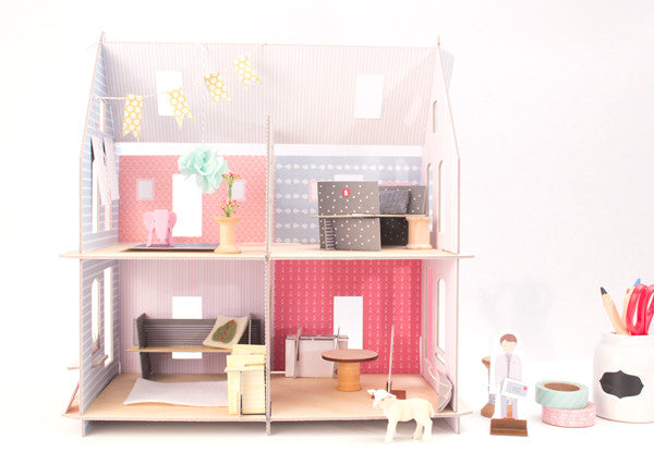 DIY Dollhouse: Primrose English Cottage