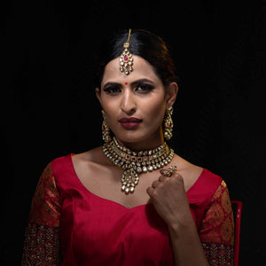 Pure kundan choker with earrings and maang tika