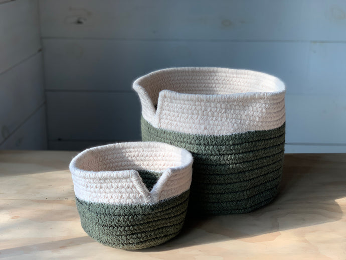 V Top Wool Basket