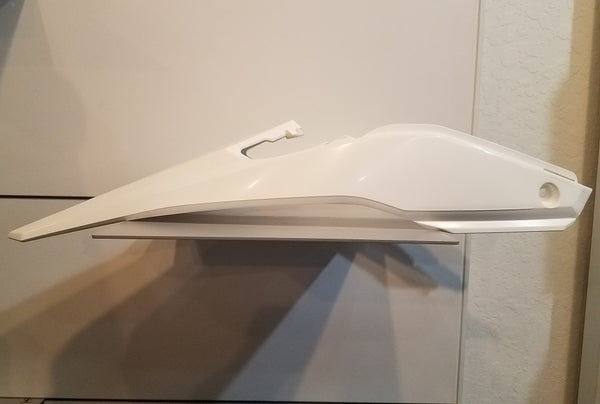 Beta RR (18-) Rear Fender White