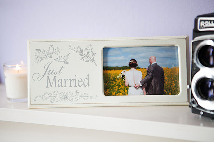 Vintage-Look Lovebirds Wedding Frame