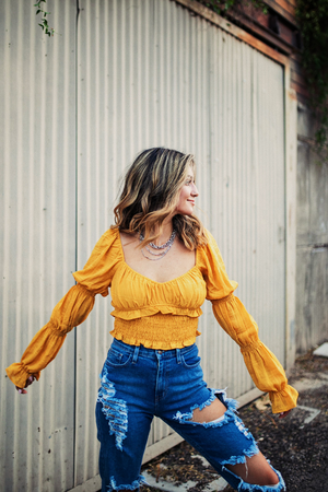 RUFFLE ME UP MUSTARD TOP