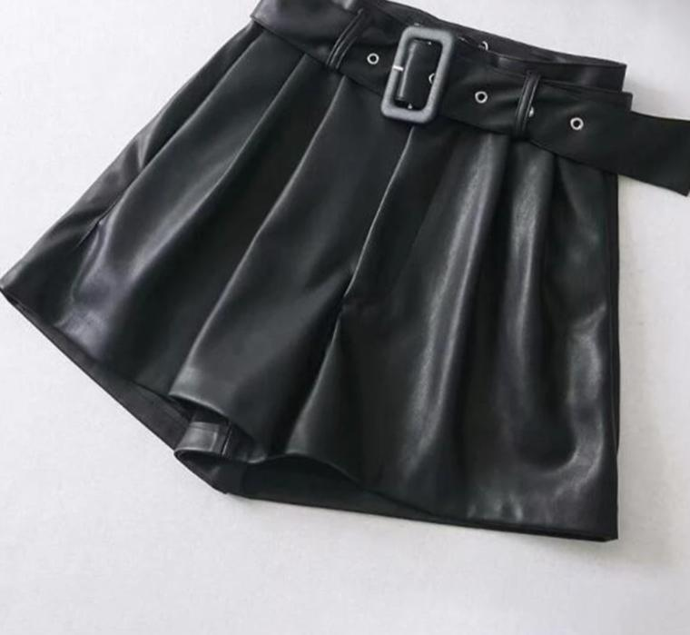 High waist faux leather short - Trendsetterco
