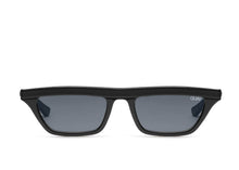QUAY 'Finesse' Sunglasses Black/Smoke