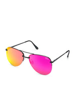 QUAY 'The Playa' Sunglasses Black/Pink