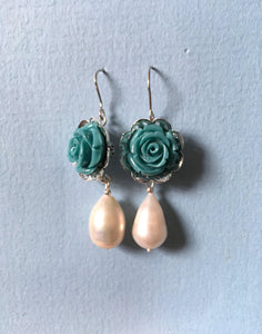 Blue rose pearl earring