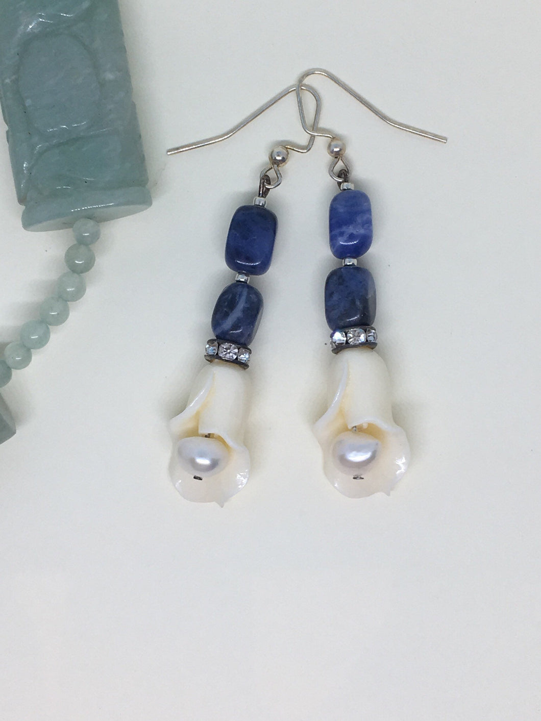 Cream Tulip with pearl, swarovski, lapis stone bead stem