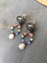Load image into Gallery viewer, Pearl on howlite miner and silver bead loop earrings