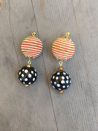 Black and white spotted lacquered bead with Gold beige silk bead earring