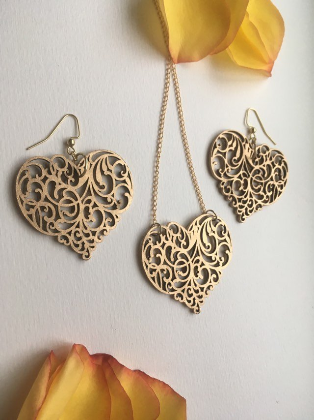 Gold ornament Wood Heart earrings necklace set