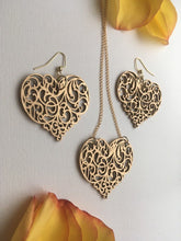 Load image into Gallery viewer, Gold ornament Wood Heart earrings necklace set