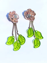 Load image into Gallery viewer, Rose silver flower with green leaf tassel