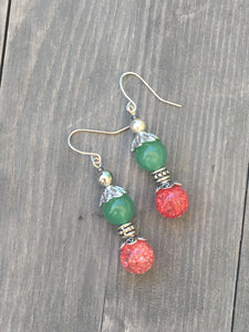 Rose pink marbled quartzite bead on round dark green quartzite bead with silver flower leaf finials earring