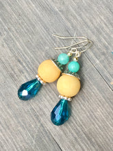 Load image into Gallery viewer, Ocean blue drop on lemon yellow bead and turquoise quartzite finial silver earring