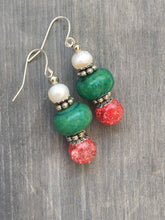 Load image into Gallery viewer, Pearl with pink quartzite and green wood dangle earring