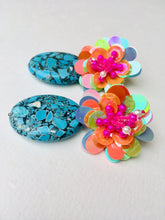 Load image into Gallery viewer, Blue Howlite on multicolored Flower