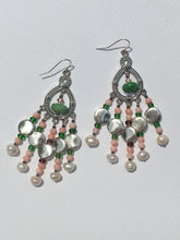 Load image into Gallery viewer, Pearl Quartztite Chandelier Earring