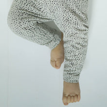 Load image into Gallery viewer, GRO Malak Leggings // Salt by Gro - Mini Pop Style
